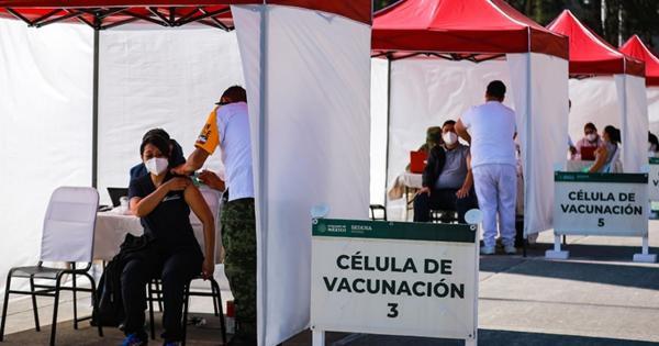 Se disfrazan de ancianos para recibir vacuna contra COVID-19; Eran jugadores profesionales de FIFA